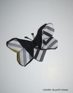 Pince papillon japonais graphique noir blanc gris doré - L'atelier du petit oiseau