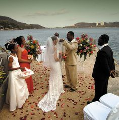 True Love Unites in an Island Paradise ~ Photo: Tomas Ramos