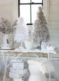 bricolage de Noël : sapin blanc en plumes