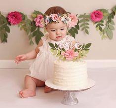 36 ideas birthday photoshoot cake smash for 2019 1st Birthday Photoshoot, Baby Girl 1st Birthday, Birthday Cake Smash, First Birthday Cakes, First Birthday Parties, First Birthdays, Birthday Gifts, Flower Birthday, Birthday Tutu