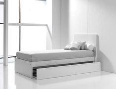 Camas juveniles blancas y modernas para niños, con cama nido para visitas inesperadas. #nursery #kids #rooms