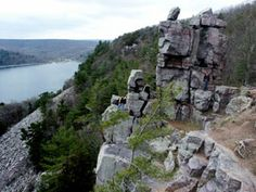 Devil's Lake State Park, Wisconsin, $7 daily entrance, enjoy the rocks and water