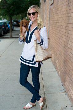 #OOTD @kellyslarkin in #Hudsonjeans Collin Skinny in foley & a #puppy. Best accessory ever!