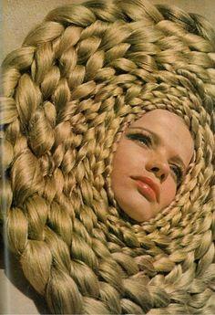 It's like, a mix-up of a braided rug, a lion, and a drunk Rapunzel...