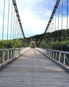 Le pont de la rivière de l'Est vue de haut.  La suite demain. by lidonia_
