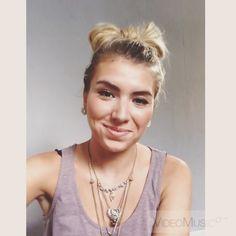 WATCH ME  easy bow tutorial #hairtutorial #howto #howtodohair #updotutorial #tutorial #bowhair #instahair #hairposts #videotutorial #hairinspiration #fashionpassion #updo #cute #hotd #longhair
