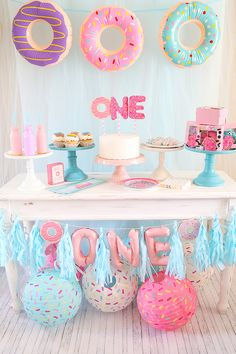 Donuts are always a fun theme for a birthday party! I love donuts (more than I should) so when I saw all the cute Donut Party Supplies available I jumped at the chance to style a f Donut Party, Donut Birthday Parties, First Birthday Themes, 1st Birthday Girls, Birthday Ideas, 1st Birthday Party Ideas For Girls, First Birthday Decorations Girl, First Birthday Activities, First Birthday Gifts