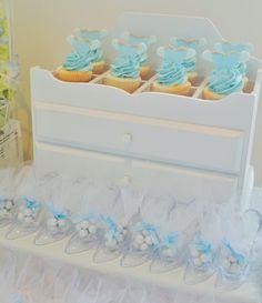 Little Wish Parties | Cinderella themed 2nd birthday | https://littlewishparties.com