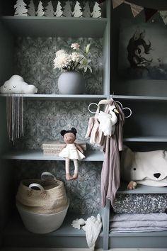 Kids Bedroom, Bedroom Decor, Baby Barn, Cute House, Romantic Cottage, Beautiful Interior Design, Kidsroom, Boy Room, Baby Love