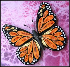 quilling ... monarch butterfly ... Suganthi (the blogger artist) says she looked at a photo of a real monarch to make this more true to nature ... gorgeous!!