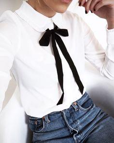 Jamen finns det något snyggare än en vit skjorta och ett par blåjeans? Nä inte om ni frågar mig iaf. Det enklaste sättet att sätta tvist och uppdatera din vita skjorta eller blus är att knyta ett...