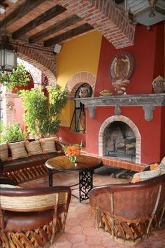 Fabulous Mexican House with Country Feel in. Mexican Style Homes, Hacienda Style Homes, Spanish Style Homes, Spanish Style Interiors, Hacienda Kitchen, Spanish Home Decor, Mexican Home Decor, Mexican Hacienda Decor, Mexican Home Design