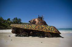 Tanque abandonado en una playa de Culebra. Fué escenario de bases americanas durante la segunda guerra mundial y la guerra fría.