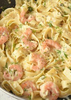 Pasta Fettucine, Shrimp Fettuccine Alfredo, Fettuccine Recipes, Alfredo Sauce, Shrimp Alfredo Recipe With Jar Sauce, Easy Pasta Recipes, Seafood Recipes, Dinner Recipes, Shrimp Dishes