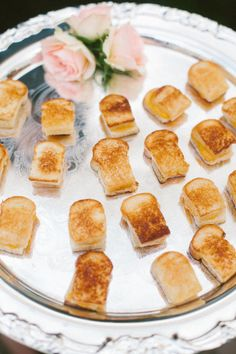 The Best Late-Night Wedding Food in Every Region - Crowd-Pleasing Late-Night Wedding Snacks: The Comfort Foods Edition - Wedding Snacks, Wedding Appetizers, Mini Appetizers, Summer Wedding Foods, Sandwich Appetizers, Gourmet Sandwiches, Mini Sandwiches, Cheese Appetizers, Wedding Dinner