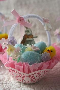 Vintage Easter Nut Cup