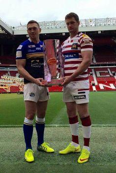 Grand Final 2015 build up Wigan Warriors v Leeds Rhinos Leeds Rhinos, Rugby Men, Rugby League, World Of Sports, Sport Motivation, British Isles, Athletics, Gorgeous Men, Warriors