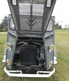 Citroen Van, Citroen Type H, Psa Peugeot Citroen, Classic Trucks, Classic Cars, Auto Retro, Camper Caravan, Vintage Vans, Old Trucks