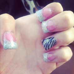 next nails but a color tip not zebra