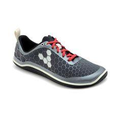 Danmarks eneste skobutik til folk med naturlig løbestil. Vi tror på at et sundt løbeliv handler om god løbestil og minimalt fodtøj end indlæg, kiler og højhælede løbesko med skum i sålen