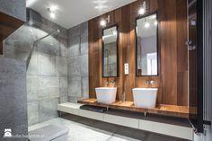naturalnie i trochę surowo...realizacja 2014 - Średnia łazienka w bloku, styl minimalistyczny - zdjęcie od Art Studio Pracownia Architektury i Wnetrz