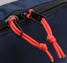 PACK BAG, RED / NAVY :: HICKOREE'S