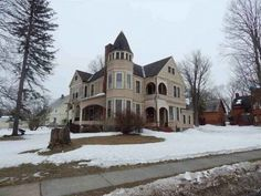 1886 Queen Anne – Fort Plain, NY – $249,000