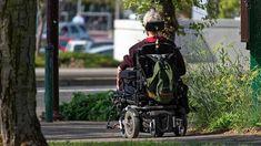 Detenidos varios ancianos haciendo carreras ilegales con sus sillas eléctricas por una calle peatonal