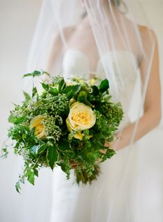 ~  we ❤ this! moncheribridals.com  #weddingbouquets