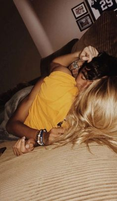 Be touching Of These 36 Cute And Romantic Teenage Relationship Goals - YoGoodLife Cute Couples Photos, Cute Couple Pictures, Cute Couples Goals, Couple Pics, Couple Things, Freaky Pictures, Couple Stuff, 3 Things, Beautiful Pictures
