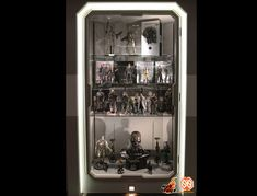 Hot Toys : Hot Toys Proudly Presents Secret Base