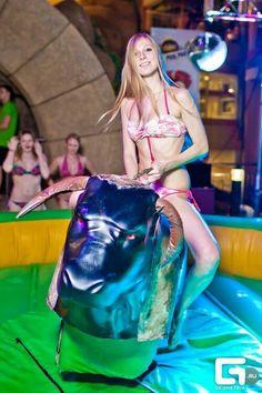 Ночные вечеринки в аквапарке! #аквапарк #Москва #ВДНХ #скидки
