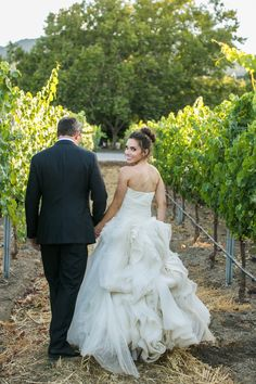 Photography : Samuel Lippke Studios | Wedding Dress : Vera Wang Read More on SMP: http://www.stylemepretty.com/2016/02/05/napa-valley-estate-wedding-at-beaulieu-garden/