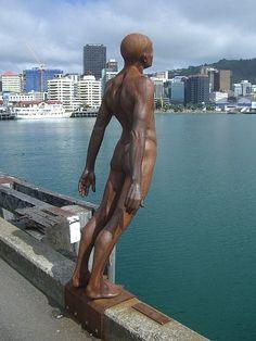 Sculpture- Leaning man, Wellington, New Zealand Modern Sculpture, Bronze Sculpture, Sculpture Art, New Zealand Art, New Zealand Travel, Wellington New Zealand, Kiwiana, Deco Design, Statue