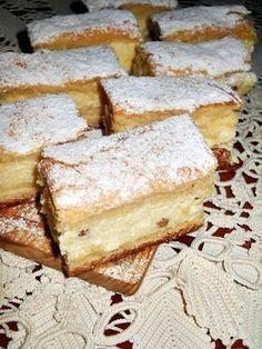Pie with cream cheese and cream - Placinta cu branza si smantana - Dulciuri Romanian Desserts, Romanian Food, No Cook Desserts, Delicious Desserts, Yummy Food, Hungarian Recipes, Desert Recipes, Christmas Desserts, Cheesecake Recipes