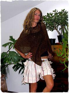 f64075d50ca6 Pantaloni Katy  pantaloni corti in tessuto artigianale di cotone   modaetnica  ethnicalfashion  lamamita  moda  fashion  italianfashion   style  italianstyle ...