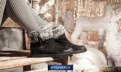 Il giorno di #SantaLucia ci porta ancora di più in clima natalizio! E queste giornate bianche di gelo ci invitano a indossare qualcosa di caldo: come questi comodi #boot alla caviglia in morbido camoscio con zip laterale e interno in pelo. Scoprili qui >> Ester - http://www.stonefly.it/it/2/collezione/donna/679/ester-1.html