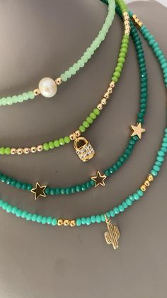 Handmade Wire Jewelry, Beaded Jewelry Designs, Bead Jewellery, Seed Bead Jewelry, Cute Jewelry, Jewelry Trends, Jewelery, Seed Bead Necklace, Handmade Bracelets