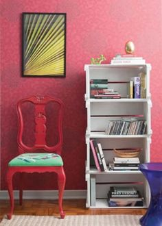 Chair Restored, Renovated or Renovated = Economy, Personalized and Sustainable Decor! - BE Decoration Wooden Crates, Wooden Diy, Diy Home Crafts, Diy Home Decor, Wood Boxes, Decoration, Painted Furniture, Living Room Decor, Bookcase