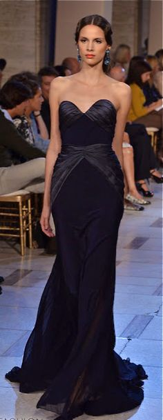 Not your typical LBD black dress Gown Zac Pozen Fabulous Dresses, Beautiful Gowns, Elegant Dresses, Nice Dresses, Classic Style Women, Strapless Dress Formal, Designer Dresses, Wedding Gowns, Ball Gowns