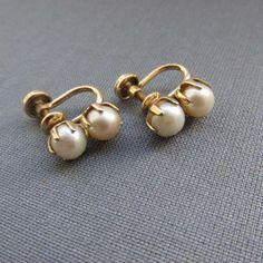 Diamond Hoops Earrings / Gold Single Bezel Set Diamond Hoops / Diamond Earrings / Gold Hoop available in Gold, Rose Gold, White Gold - Fine Jewelry Ideas- Pearl Jewelry, Jewelry Accessories, Fine Jewelry, Silver Jewelry, Jewelry Design, Silver Ring, Jewelry Ideas, Etsy Jewelry, Crystal Jewelry