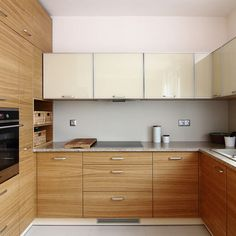 Hledáte inspiraci na nové bydlení? Na Favi.cz najdete jak inspirace na nové bydlení tak krásné produkty. Simple Furniture, Kitchen Cabinets, Small Kitchens, Home Decor, Kitchens, Kitchen Modern, Restaining Kitchen Cabinets, Homemade Home Decor, Kitchen Base Cabinets