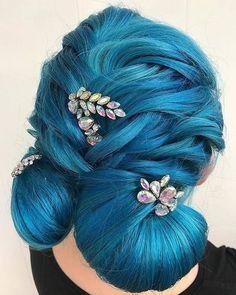 Hair Color auburnHair Color Ideas For Updo Hair And Bun Hair Styles Hair Color auburn Mint Hair, Neon Hair, Yellow Hair, Purple Hair, Hair Color Auburn, Hair Color Blue, Two Toned Hair, Sassy Hair, Bun Hairstyles