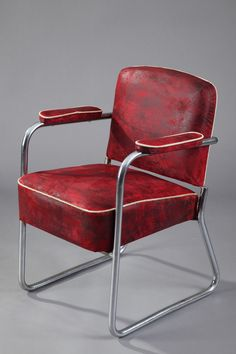 Marcel Breuer Bauhaus Tubular Chromed-Steel Armchair for Thonet. Art deco period.