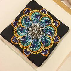 Mandala tile #tile #paintedstones #paintedrocks #mandala #mandaladesign #design #loda #barakha #viaroma68lampedusa #lampedusa #island #lovemyjob SOLD