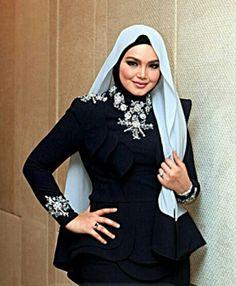 Siti Nurhaliza, Hijab Fashion, Muslim, Singer, Family Life, Celebrities, Beautiful, Dresses, Style