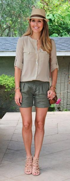 love this look with the straw hat and longer shorts!