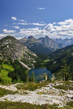 ✯ Lake Ann sits below Heather Pass, Okanogan National Forest, Washington