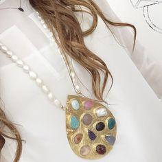#medallion #pearlnecklace #naturalstones #druzy #rosequartz #onyx #turquoise #jade #agate #njewels