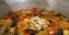 Vinete cu ardei grași pentru iarnă. O adevărată nebunie pentru musafiri! - Bucatarul Eggplant, Salsa, Mexican, Chicken, Meat, Ethnic Recipes, Food, Canning, Essen